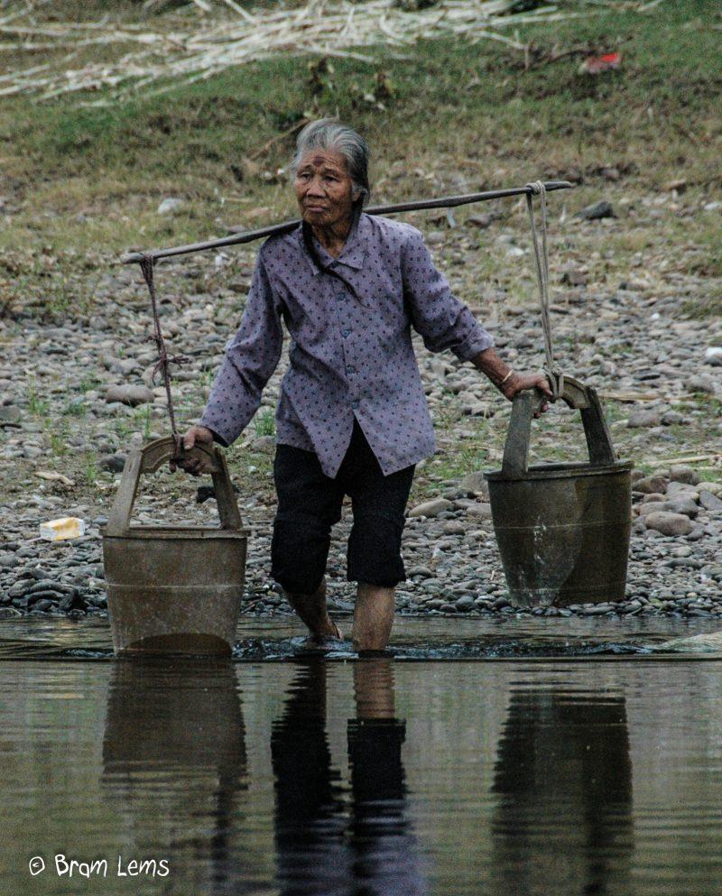 Waterdraagster-Srilanka
