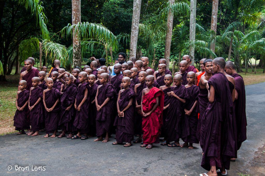 Monnikenschool-Sri-Lanka